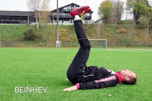 Skjermdump fra videoen basistrening for langrenn på Supersport.no sin YouTube-kanal.