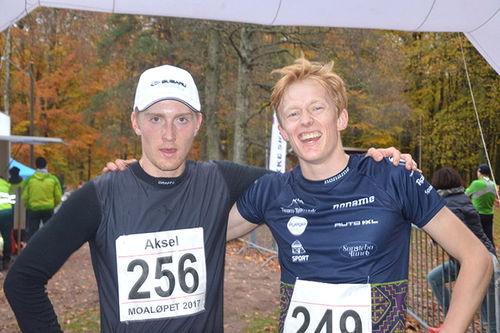 Aksel Rosenvinge (t.v.) og Eirik Mysen ble henholdsvis nummer 2 og 1 i Moaløpet 2017. Foto: Privat.