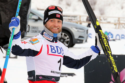 Martin Johnsrud Sundby vant som han ville i åpningsrennet på Beitostølen, men lot seg skremme av det andremannen Johannes Høsflot Klæbo viste. Foto: Erik Borg.