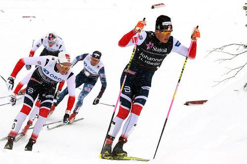 Johannes Høsflot Klæbo fører an i Beitosprinten 2017. Han vant til slutt som han ville. Foto: Erik Borg.