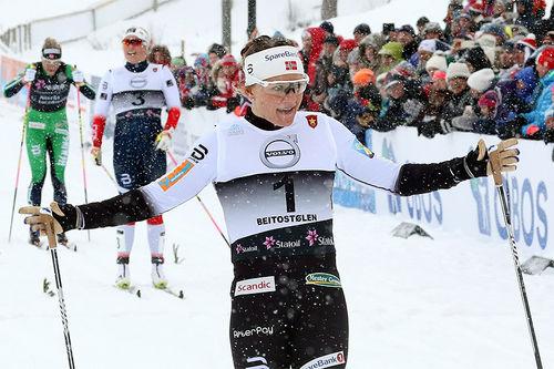 Maiken Caspersen Falla var klart sterkest på den klassiske sprinten under den snøkledde sesongåpningen på Beitostølen 2017. Foto: Erik Borg.