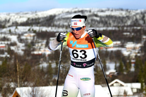 Marit Bjørgen på vei mot seier på 10 kilometer fri teknikk under den nasjonale sesongåpningen på Beitostølen 2017. Foto: Erik Borg.