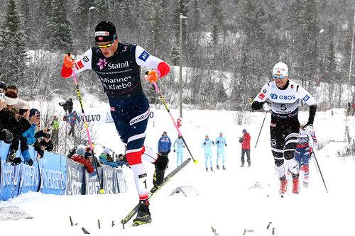 Johannes Høsflot Klæbo fører an under Beitosprinten 2017. Trønderen vant som han ville, mens Eirik Brandsdal (bak) endte på 3. plass. Foto: Erik Borg.