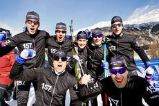 Lager 157 Ski Team jubler etter å ha vært best i oppstarten av Visma Ski Classics 2017/2018. De vant prologen i Pontresina. Foto: Magnus Östh/Visma Ski Classics.