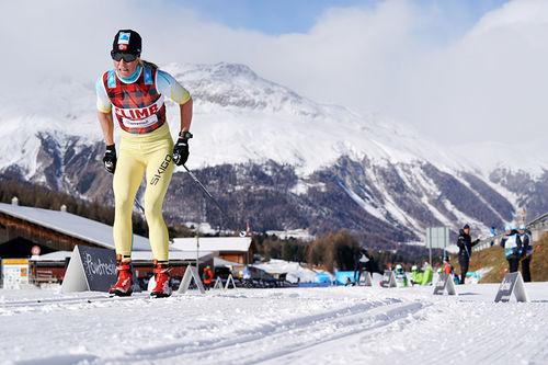 Astrid Øyre Slind på vei mot 2. plass i den 10 km lange sesongstarten av Visma Ski Classics 2017/2018 i Pontresina. Foto: Magnus Östh/Visma Ski Classics.