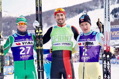 Herrenes seierspall i La Sgambeda 2017, et renn som inngår i Visma Ski Classics. FV: Torgeir Skare Thygesen (2. plass), Andreas Nygaard (1) og Stian Hoelgaard (3). Foto: Magnus Östh/Visma Ski Classics.