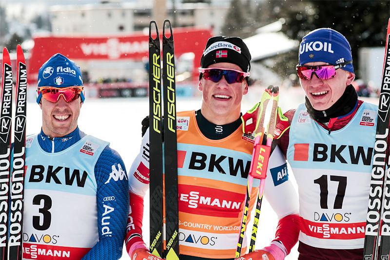 Herrepallen i sprinten under verdenscupen i Davos 2017. Fra venstre: Federico Pellegrino (2. plass), Johannes Høsflot Klæbo (1) og Alexander Bolshunov (3). Foto: Modica/NordicFocus.