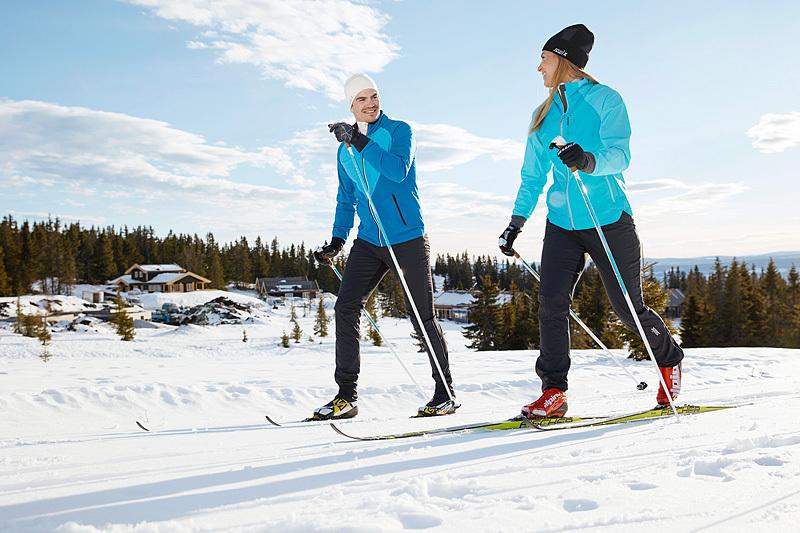 Det anslås at felleski vil stå for halvparten av skisalget i sesongen 2017/2018. Foto: Swix.