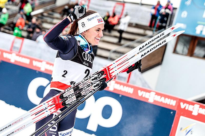 Heidi Weng var sterkest på 6. etappe i Tour de Ski 2017-2018, fellesstarten med 10 km klassisk i Val di Fiemme. Foto: Modica/NordicFocus.