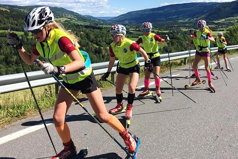 Fra en tidligere utgave av NTG Lillehammers sommerskiskole. Foto: NTG Lillehammer.