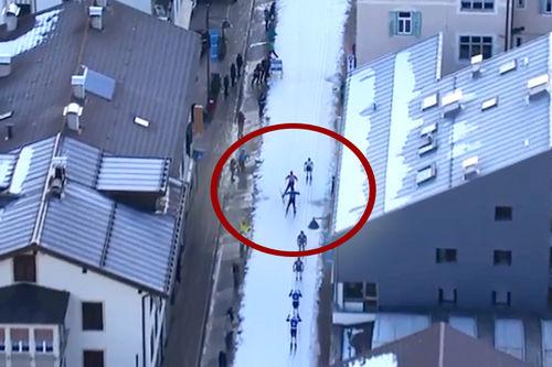 Det ble for mye skøyting på Oskar Kardin i Marcialonga 2018 på vei inn mot en spurtpris. Han ble disket og også fratatt spurtpoeng. Foto: Visma Ski Classics.
