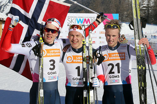 Medaljevinnerne på herrenes sprint under U23-VM i Goms og Sveits 2018. Fra venstre: Jan Thomas Jenssen (2.-plass), Erik Valnes (1) og Even Northug (3). Foto: Erik Borg.