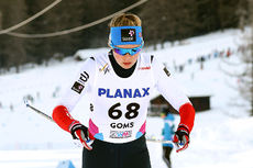 Hedda Østberg Amundsen ute på 5 km klassisk under Junior-VM i Goms 2018. Hun endte til slutt på 11. plass etter å ha falt og tapt mange sekunder mot slutten av rennet. Foto: Erik Borg.