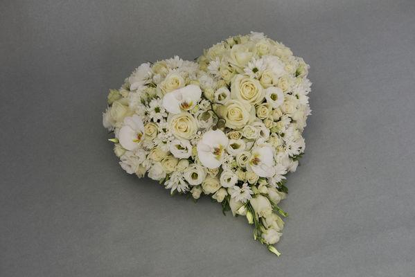 170709_blomst_blosmter_begravelse_hjerte