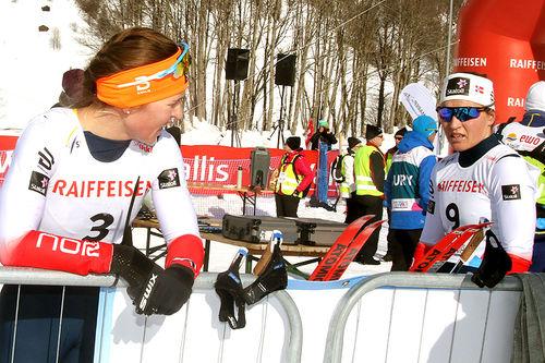 Tiril Udnes Weng (t.v.) og Lotta Udnes Weng etter skiathlon under U23-VM i Goms 2018. Foto: Erik Borg.