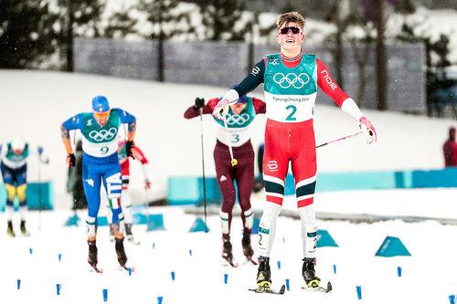 Johannes Høsflot Klæbo hadde full kontroll på konkurrentene da han suste inn til OL-gull på sprint i Pyeongchang 2018. Foto: Modica/NordicFocus.