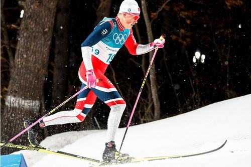 Johannes Høsflot Klæbo med sitt beryktede Klæbo-klyv under OL i Pyeongchang. Det er ingen tvil om at det ligger anselige mengder spenst- og hurtighetstrening bak et slikt rykk. Foto: Modica/NordicFocus.