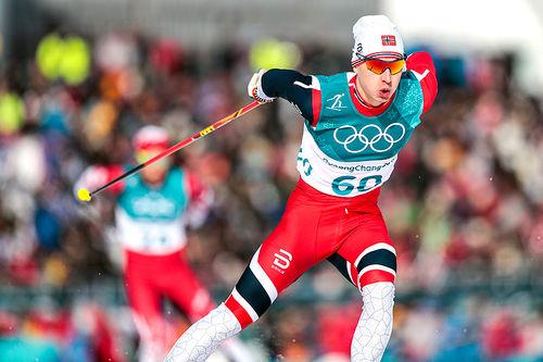 Simen Hegstad Krüger på vei mot sølv på 15 km fri teknikk under OL i Pyeongchang 2018. Foto: Modica/NordicFocus.