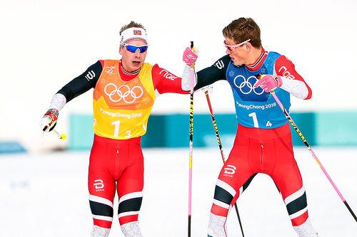 Simen Hegstad Krüger sender Johannes Høsflot Klæbo ut i tet under OL-stafetten i Pyeongchang 2018. Det endte med norsk gull. Foto: Modica/NordicFocus.