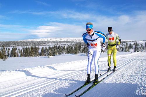 Morten Eide Pedersen og Øystein Pettersen i Hafjell Ski Marathon et tidligere år. Arrangørfoto.