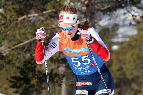 Emilie Fleten på vei mot tiendeplass på 30 km fri teknikk under NM i Alta. Foto: Erik Borg.