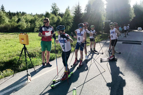 Nes Ski Vårcup sin 3. etappe sommeren 2018. Bildet viser starten i yngste gutteklasse, G13-14 år. Arrangørfoto.