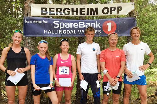 Blide vinnere under motbakkeløpet Bergheim Opp 2018. Arrangørfoto.