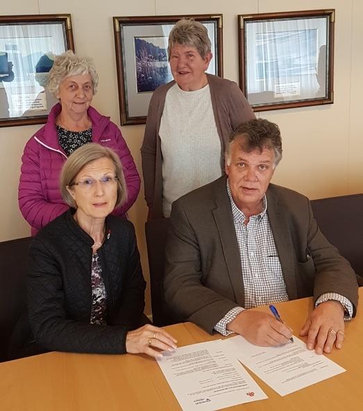 Signering av avtale om omsorgsberedskap, Sanitetsforening og ordfører