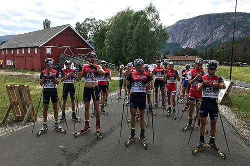 Klart for start i Åslandsbakkane Opp 2018. Foto: Eivind Arne Bjaaland.
