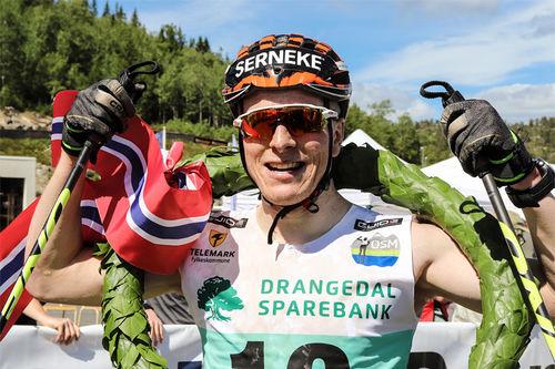 Anders Mølmen Høst etter seieren i Olaf Skoglunds Minneløp 2018. Foto: Guide World Classic Tour.