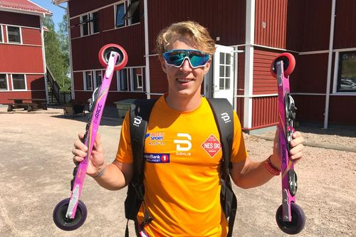 Ådne Gigernes etter sin 2. plass i juniorklassen på fellesstarten under Torsbyrullen, som også inngikk i verdenscup rulleski 2018. Foto: Privat.