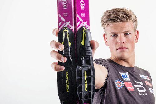 Johannes Høsflot Klæbo med rulleski fra sin partner IDT Sports. Foto: IDT.