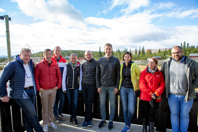 Fra venstre: Erik Østli (Beitostølen), Terje Lund (NSF), Øistein Lunde (NSF), Sandra Spitz (FIS), Pierre Mignerey (FIS), Michael Lamplot (FIS). Sabine Mlekusch (FISMAG), Frøydis Frostmo (NRK) og Øyvind Nyborg (NRK). Foto: Nicolay Flaaten.