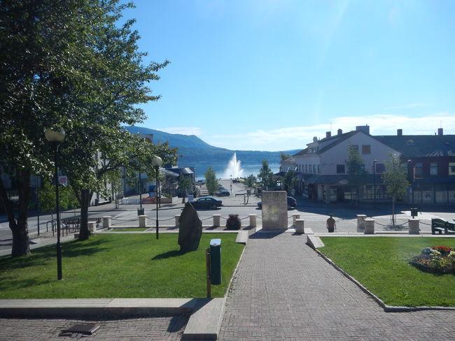 Byromseminar - Fauske sentrum med fontena