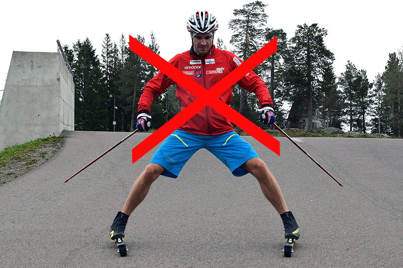 Sindre Wiig Nordby demonstrerer her feil bremseteknikk på rulleski. Foto: Privat.