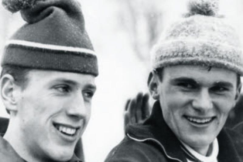 Fra boka Oddvar Brå - Et skiløperliv, av Thor Gotaas: Oddvar til venstre og Erik Røsbak, etter hver sin seier i junior-NM i 1969.