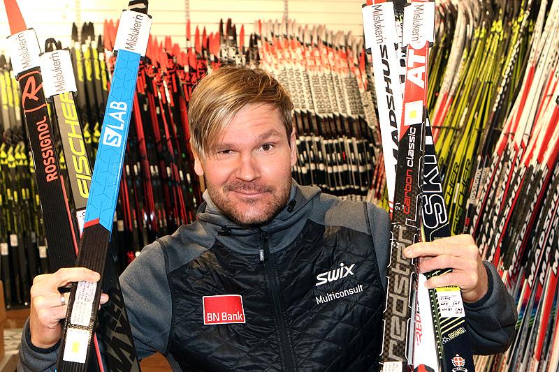 Øystein Pettersen har signert skiavtale med Milslukern Sport foran sesongen 2018/2019. Det betyr at han kan velge og vrake i skimerker fra renn til renn. Foto: Erik Borg.