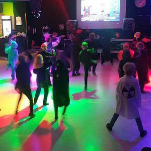 Halloween-disco (Foto: Olav Fjeld Kraugerud)