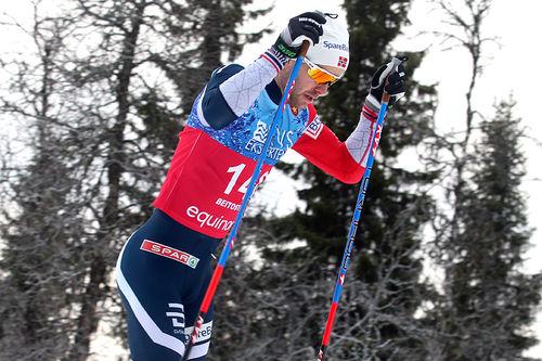 Sjur Røthe på vei mot seier på 15 km fri under Beitosprinten 2018. Foto: Erik Borg.