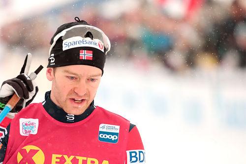 Sjur Røthe inn til seier på 30 km i snøværet under verdenscupen på Beitostølen 2018. Foto: Modica/NordicFocus.