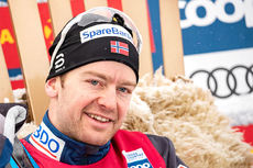 Sjur Røthe etter sin sterke seier på 30 km fri i verdenscupen på Beitostølen 2018. Foto: Modica/NordicFocus.