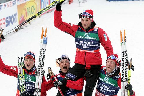 Det norske stafettlaget som vant gull under VM i Liberec 2009. Fra venstre: Tore Ruud Hofstad, Eldar Rønning, Petter Northug og Odd-Bjørn Hjelmeset. Foto: Domanski/NordicFocus.