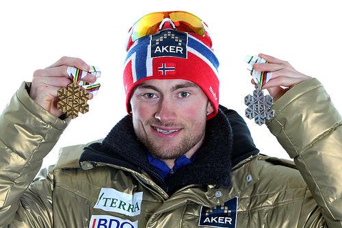 Petter Northug med medaljer fra VM Oslo 2011. Foto: Hemmersbach/NordicFocus.