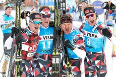 Team BN Bank-gutta jubler etter Ski Classics sin team-prolog i Livigno 2018. Fra venstre: Morten Eide Pedersen, Petter Eliassen, Øystein Pettersen og Simen Østensen. Foto: Rauschendorfer/NordicFocus.