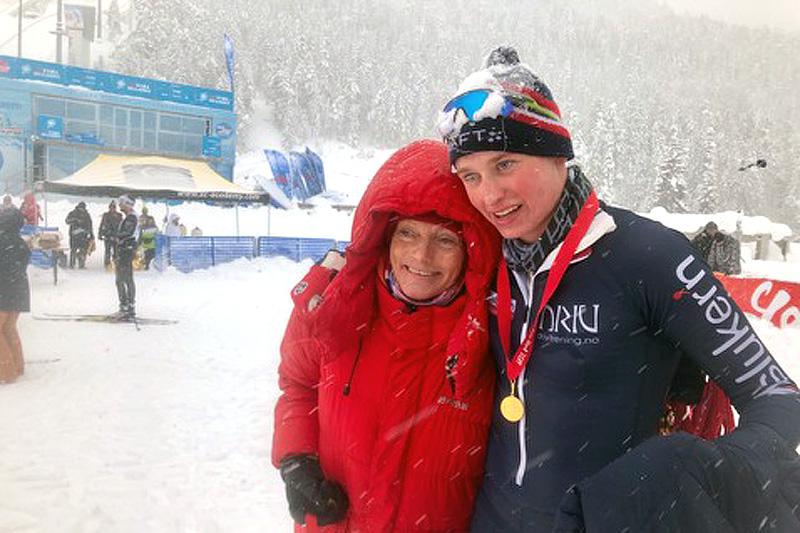 Herman Paus, her sammen med Anette Bøe, etter sin 2. plass på 22 km i Kaiser Maximilian Lauf sitt fristilrenn i Seefeld i 2019. Foto: Privat.