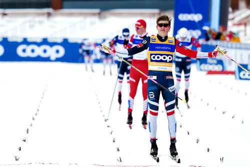 Johannes Høsflot Klæbo suveren på oppløpet under verdenscupen i sprint i Otepää 2019. Foto: Thibaut/NordicFocus.