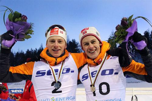Ansgar Evensen og Håkon Skaanes med sine sølv- og bronsemedaljer i juniorenes VM-sprint i Lahti 2019. Foto: Erik Borg.