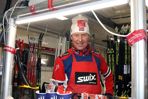 Per Knut Aaland er igjen på jobb som smører. Foto: Erik Borg.