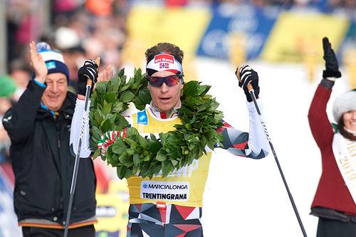 Petter Eliassen inn til seier i Marcialonga 2019. Foto: Rauschendorfer/NordicFocus.