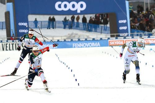Maiken Caspersen Falla inn til sprintseier i verdenscupen i Lahti 2019. Foto: Modica/NordicFocus.